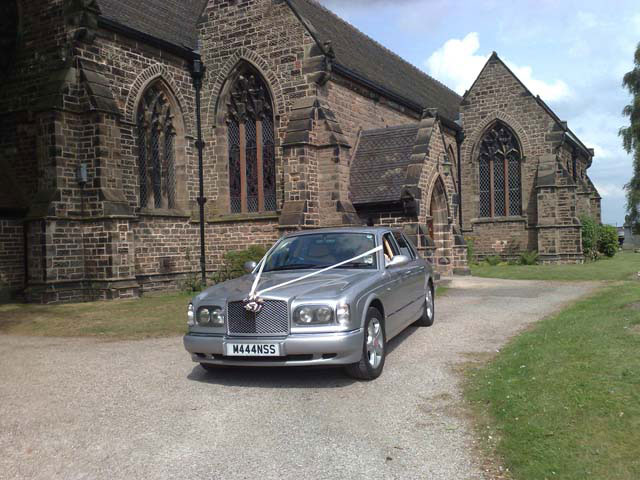 From Church to reception wedding car hire