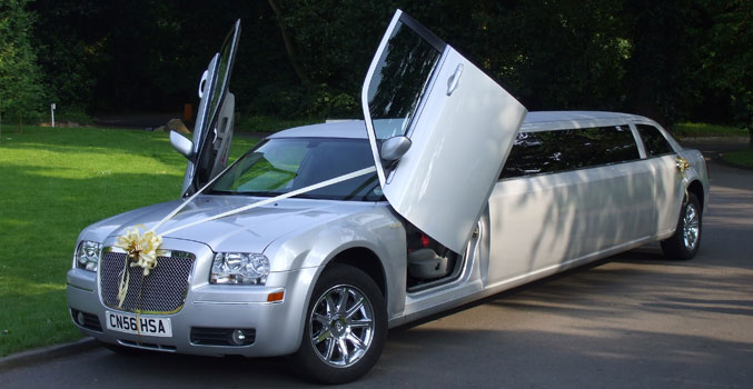 Silver Chrysler 300c Limo (Baby Bentley Limo) Royal