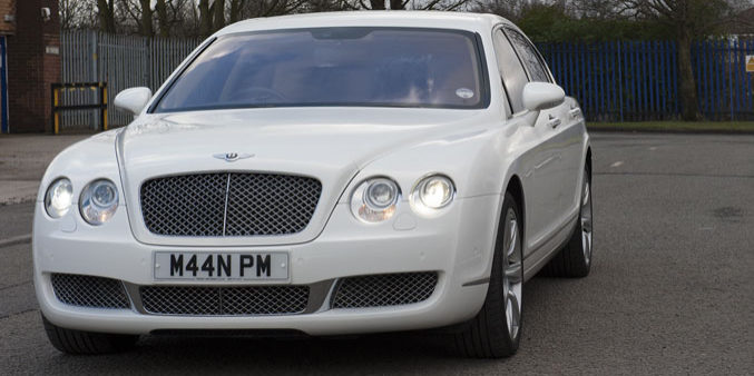 White Bentley Continental Flying Spur Photos (2)