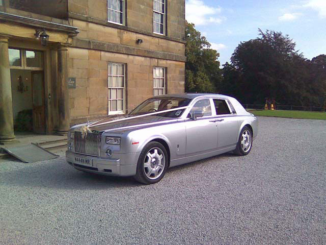 Single silver rolls Royce car hire