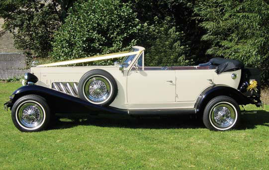 Ivory & Black Beauford Tourer with Black Hood