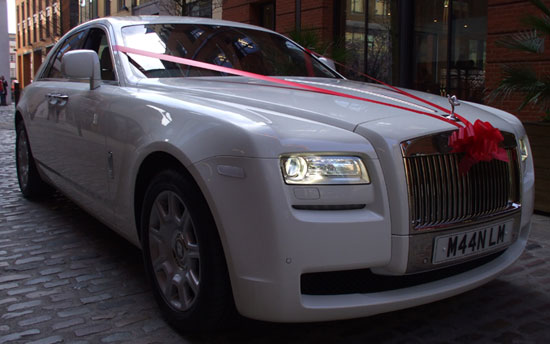 specialised Limo hire for prestige wedding cars Birmingham