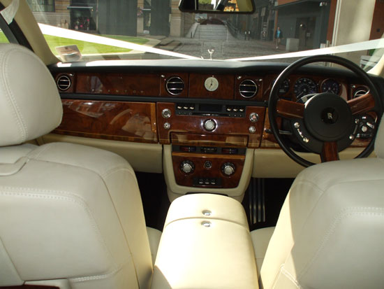 Manns Limo luxury car hire