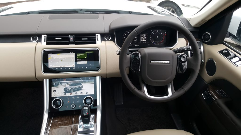 interior of Range Rover for prestige wedding car hire birmingham