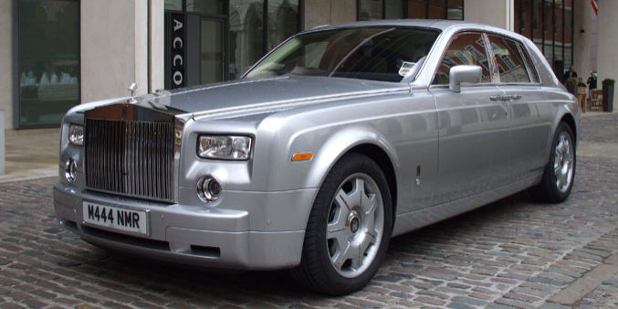 Manns Limo Silver Rolls Royce Phantom 2008 Model